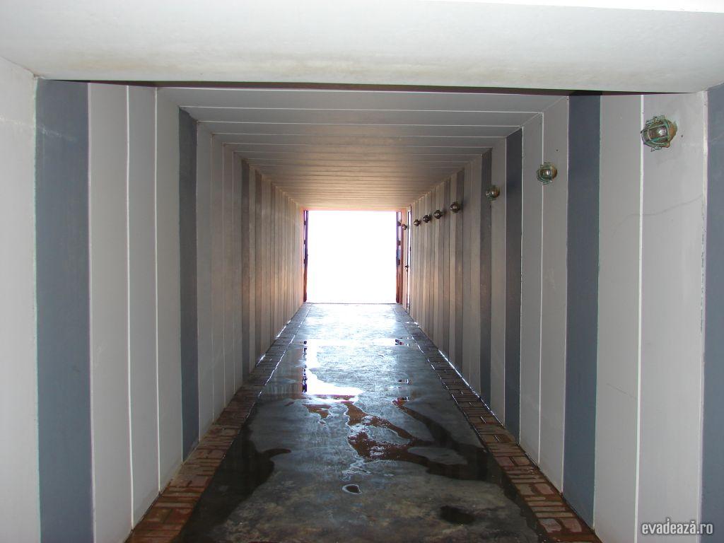 Tunelul catre plaja