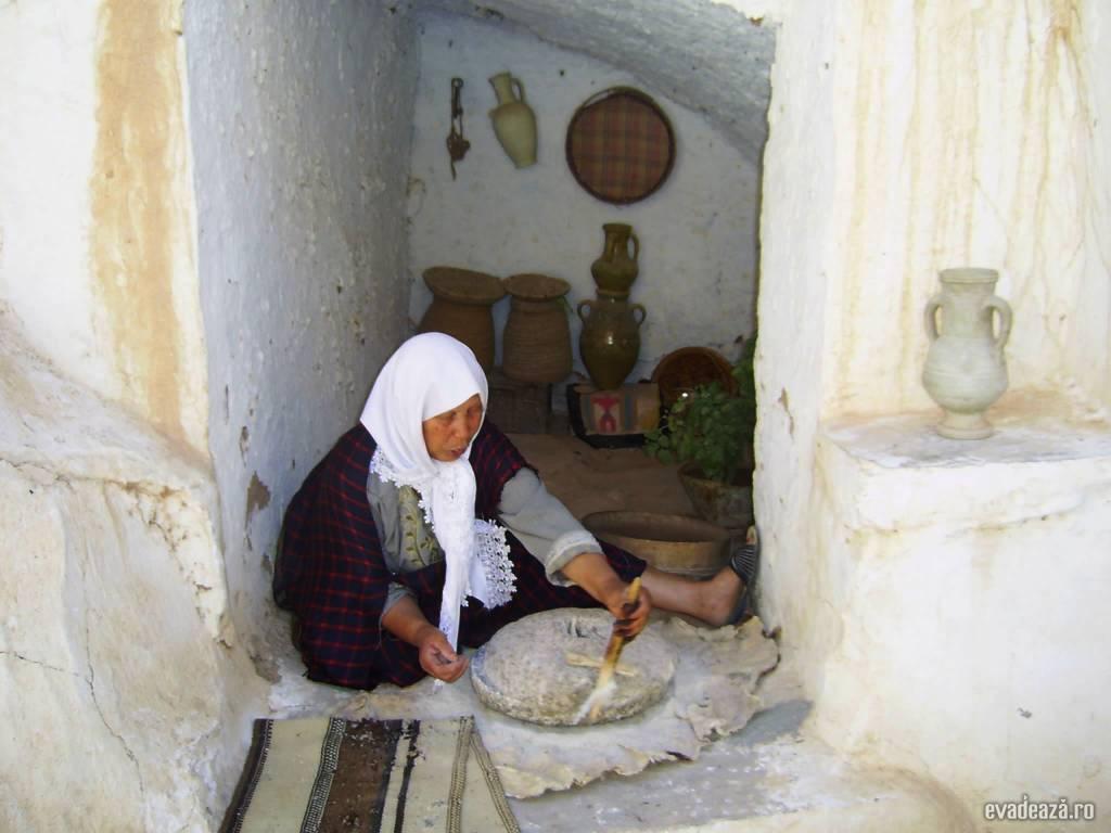 Tunisia - Case de troglodiţi | 2