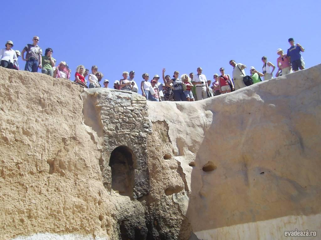 Tunisia - Case de troglodiţi   4