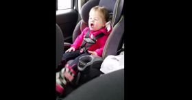 Hilarious 2 Year Old Girl Lip Sync To Talyor Swift's Shake It Off.