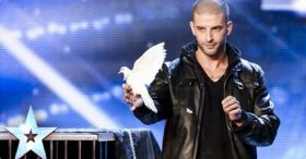Darcy Oake's Jaw-dropping Dove Illusions