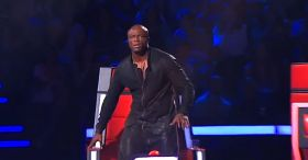 The judge stands in shock when he sees who's singing on stage…WOW!