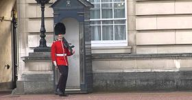 Buckingham Palace: Pirouetting Guard Shows Off His Funky Dance Moves