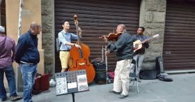 Tourist asks street band if he could join. Seconds later, it's simply Divine!