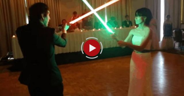 Newlyweds Use The Force, Have Lightsaber Battle Instead Of First Dance At Wedding